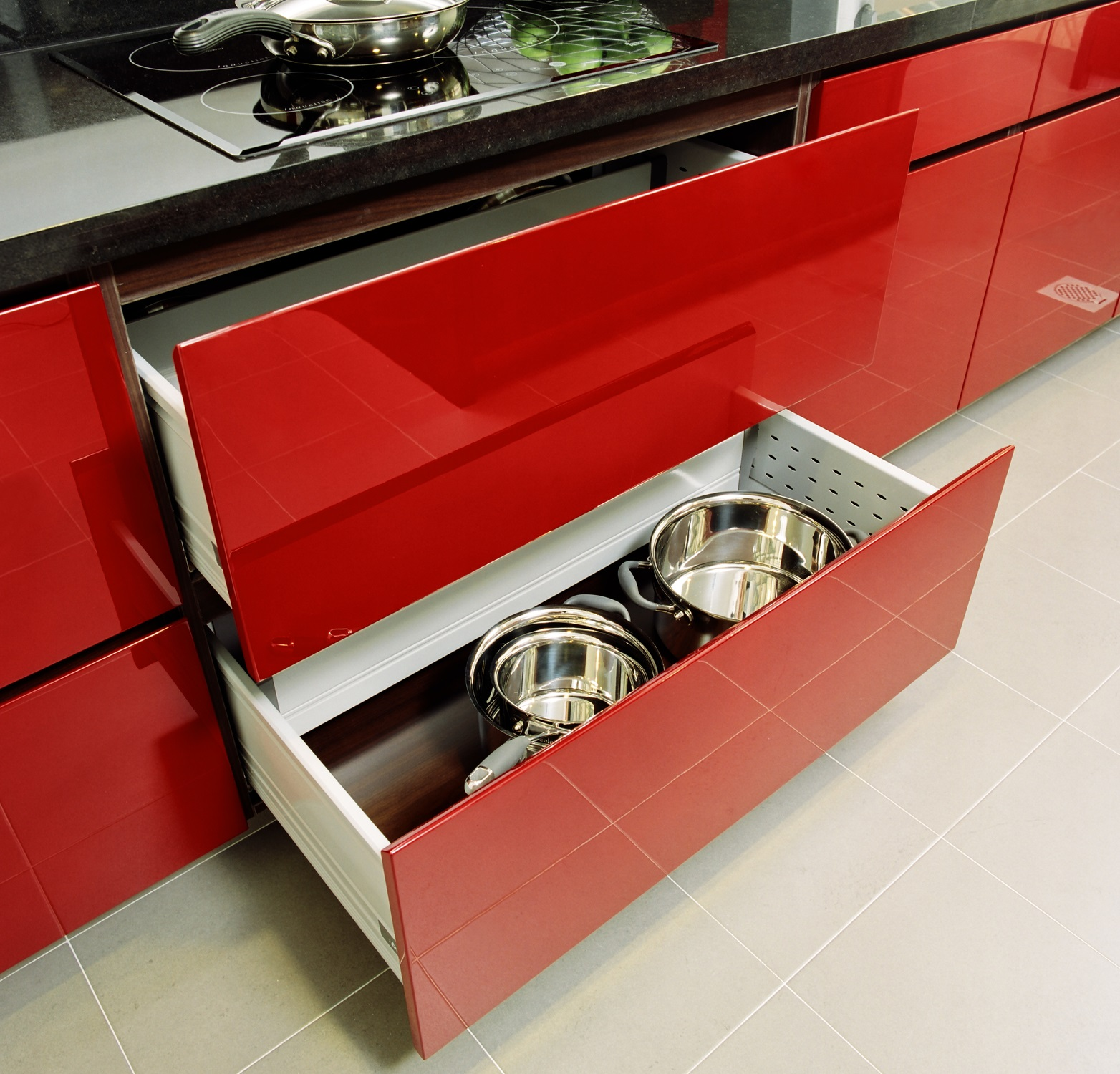 Kitchen cabinets in red
